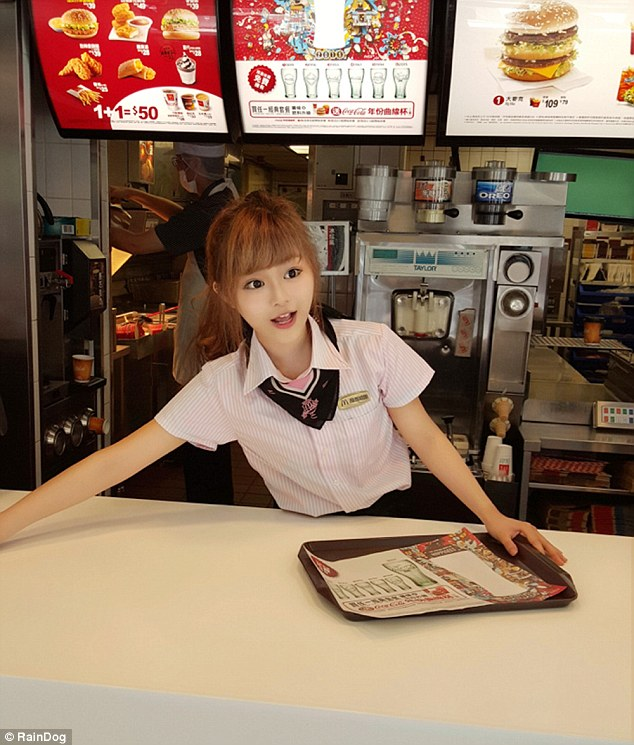 2B5C099C00000578-3200934-The_waitress_is_also_known_as_Weiwei_or_Haitun_dolphin_in_Chines-a-24_1439819607415