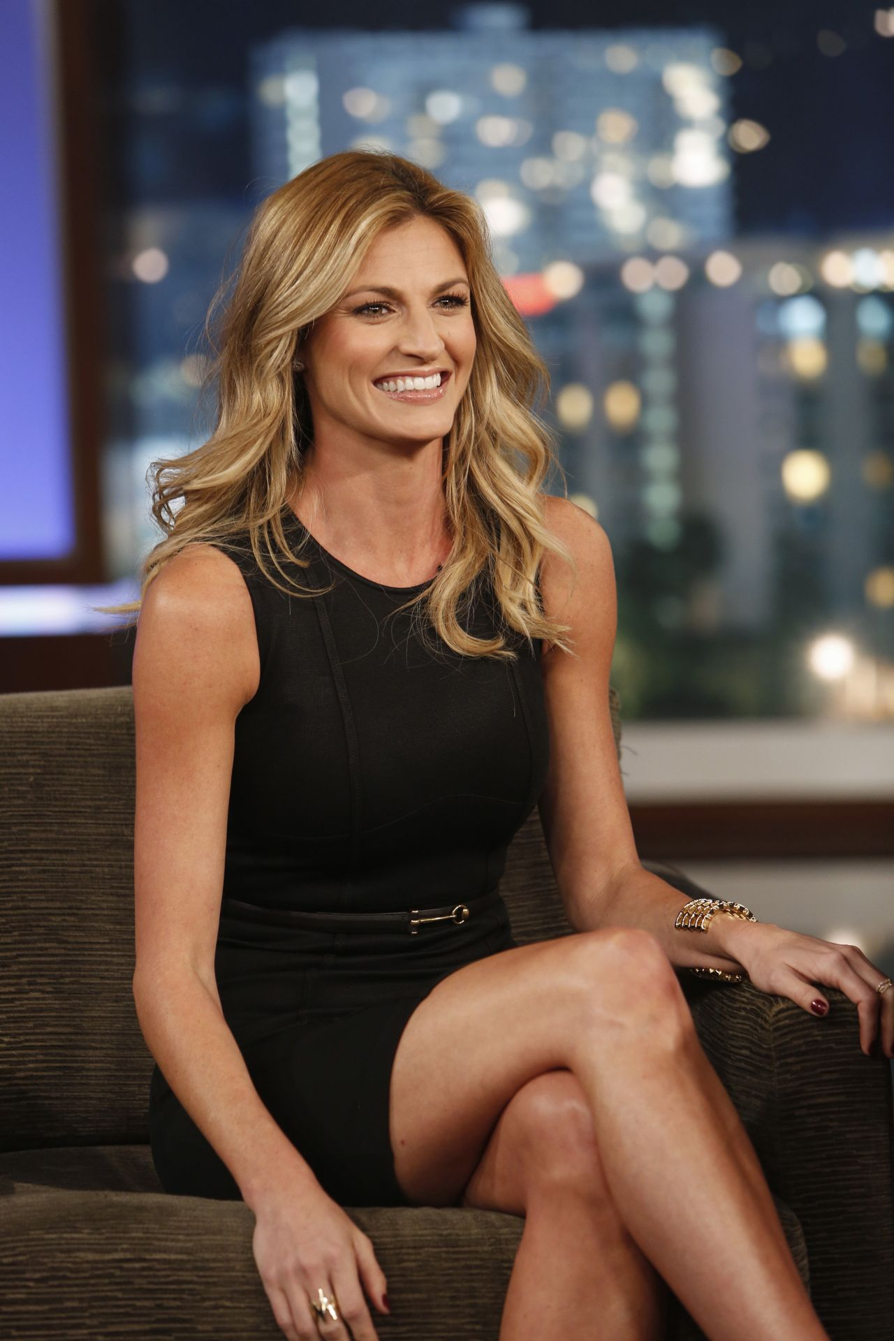 Erin Andrews naked peephole video - Find it here: Erin