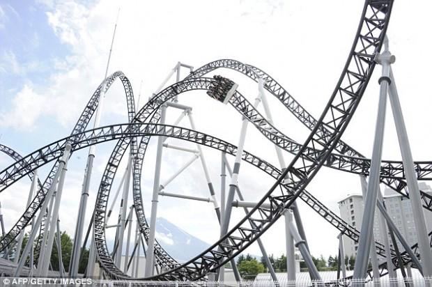 takabisha-roller-coaster-4-620x412